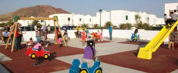 Playa Blanca gets a new playground