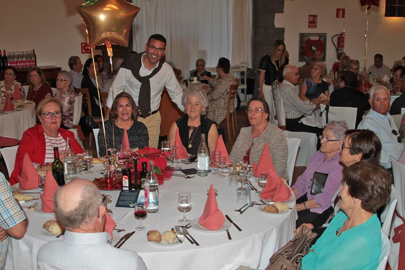 Teguise pensioners enjoyed a traditional Christmas Lunch