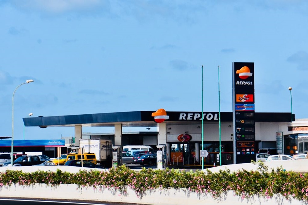 Theft with violence in three Arrecife gas stations