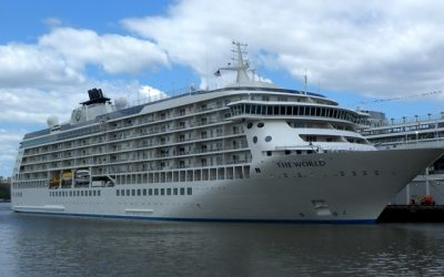 The World, the cruise of the millionaires, visits Lanzarote