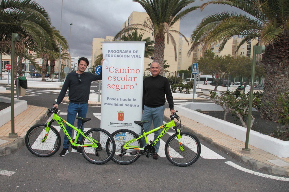 15 new bicycles for the Cabildo Road Safety Service