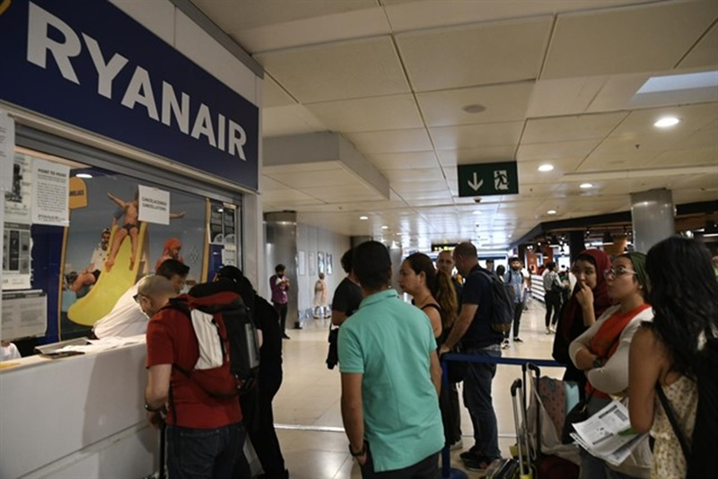 Ryanair will keep all flights with the Canary Islands on Tuesday, on its first day of strike
