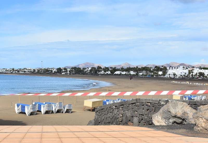 Lanzarote loses half a million tourists during the first months of 2020